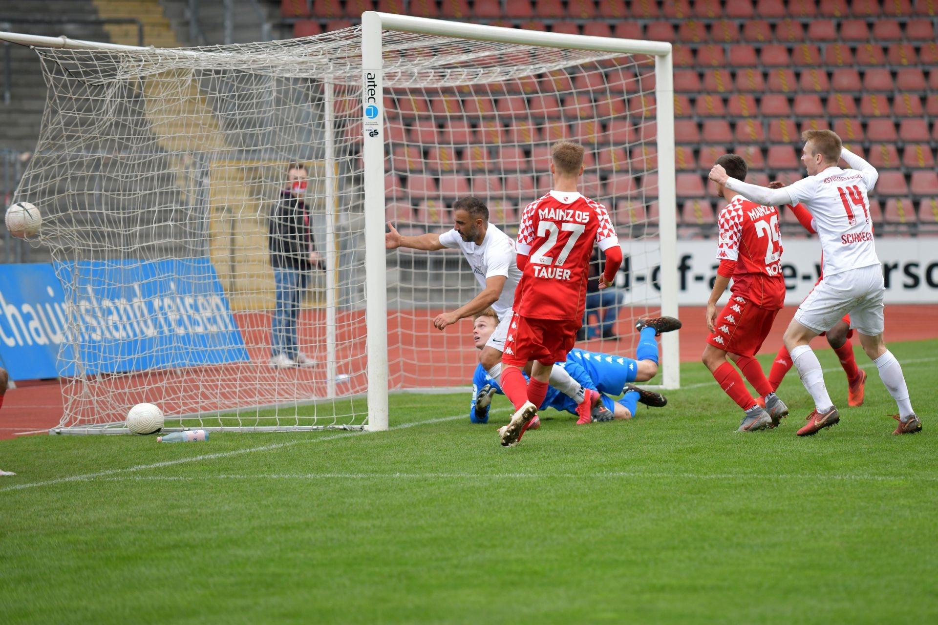 Regionalliga S�dwest 2020/21, KSV Hessen Kassel, 1. FSV Mainz 05 II, Endstand 2:1, Tor zum 1:0