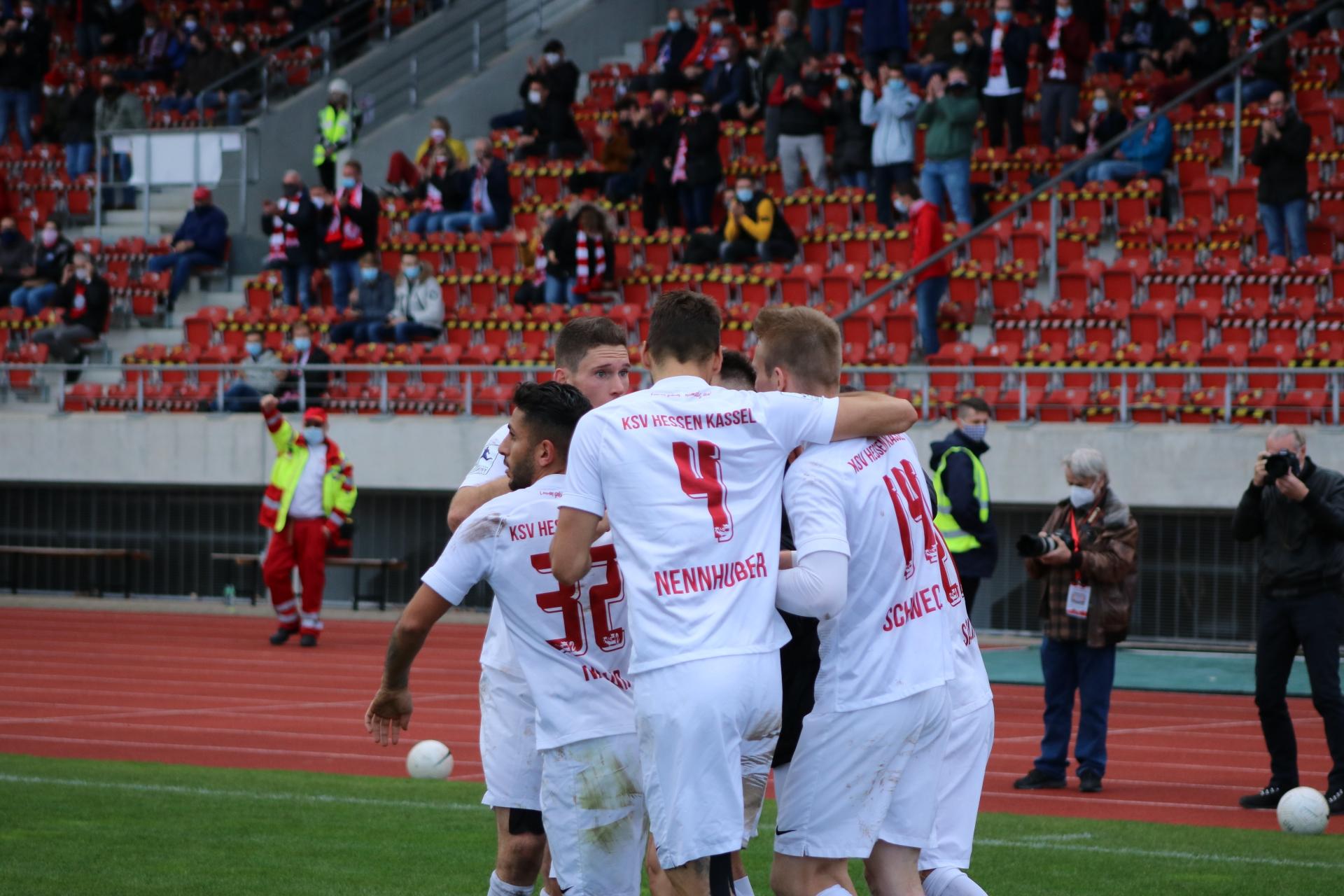 Regionalliga Südwest 2020/21, KSV Hessen Kassel, 1. FSV Mainz 05 II, Endstand 2:1, Jubel