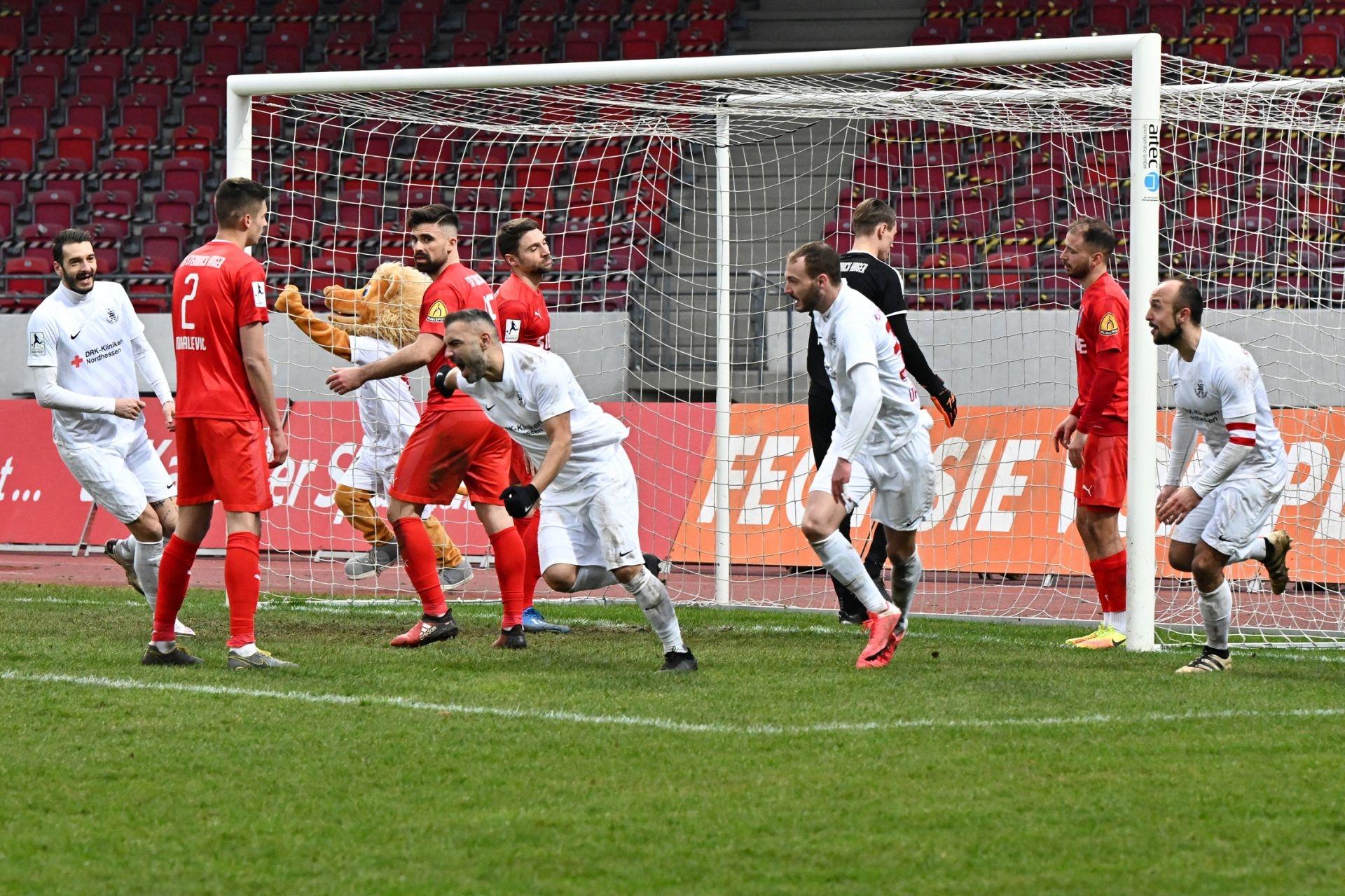 Regionalliga S�dwest 2020/21, KSVHessen Kassel, TSV Steinbach Haiger, Endstand 2:1, Jubel zum 2:1