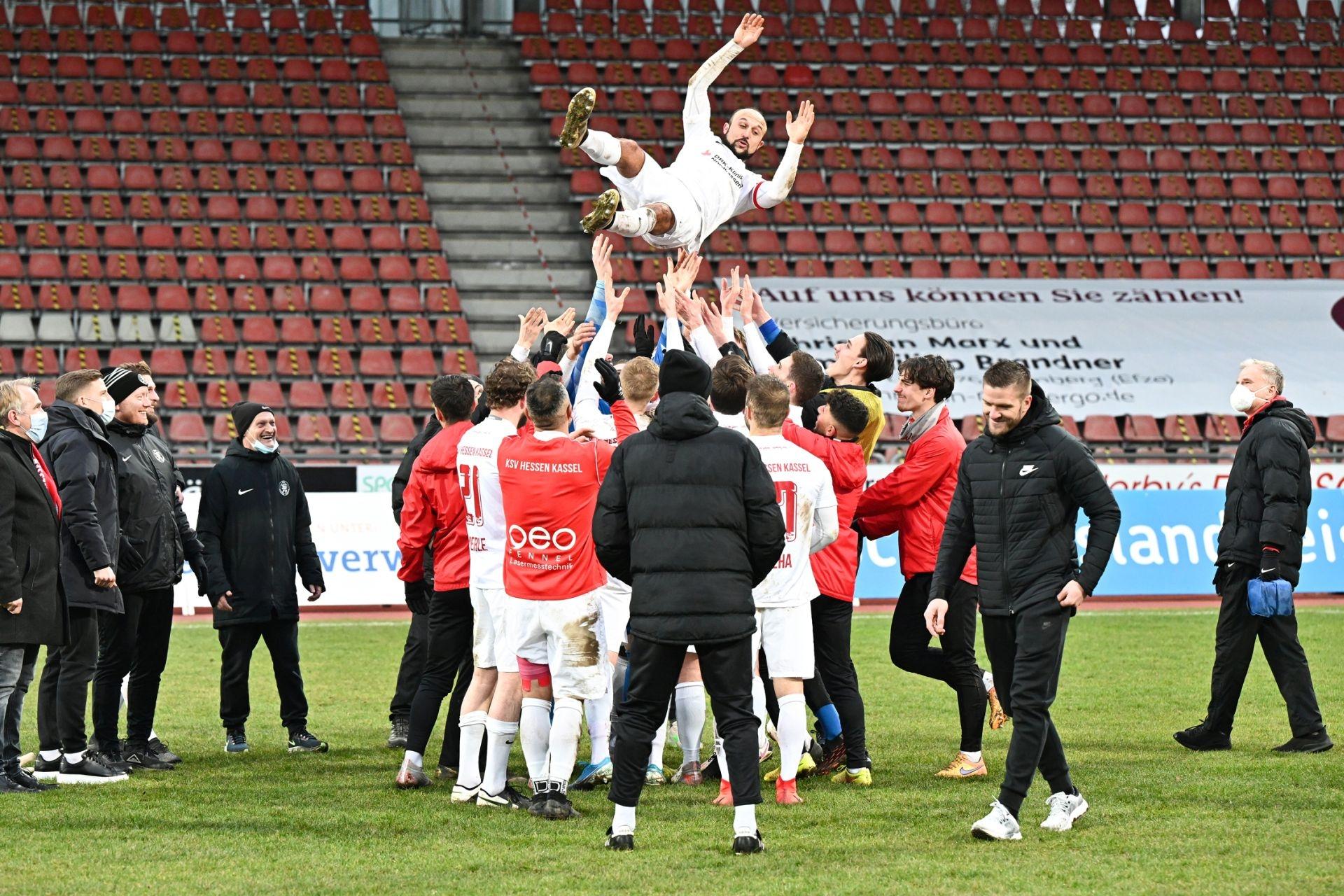 Regionalliga Südwest 2020/21, KSVHessen Kassel, TSV Steinbach Haiger, Endstand 2:1, Sergej Evljuskin, Feeir