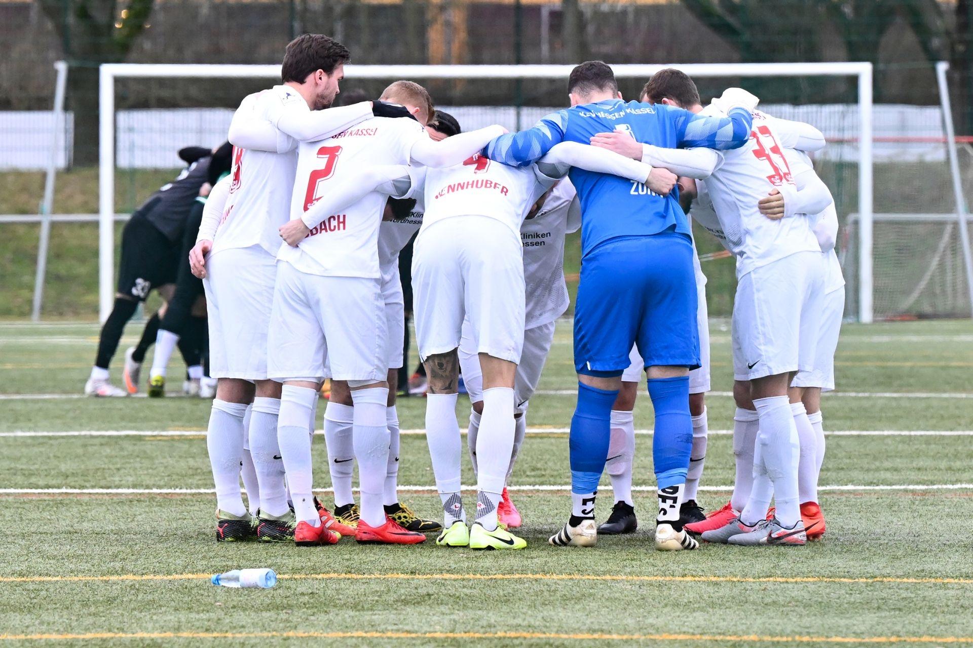 Regionalliga Südwest 2020/21, KSVHessen Kassel, FC Gießen, Endstand 1:1, Mannschaftskreis