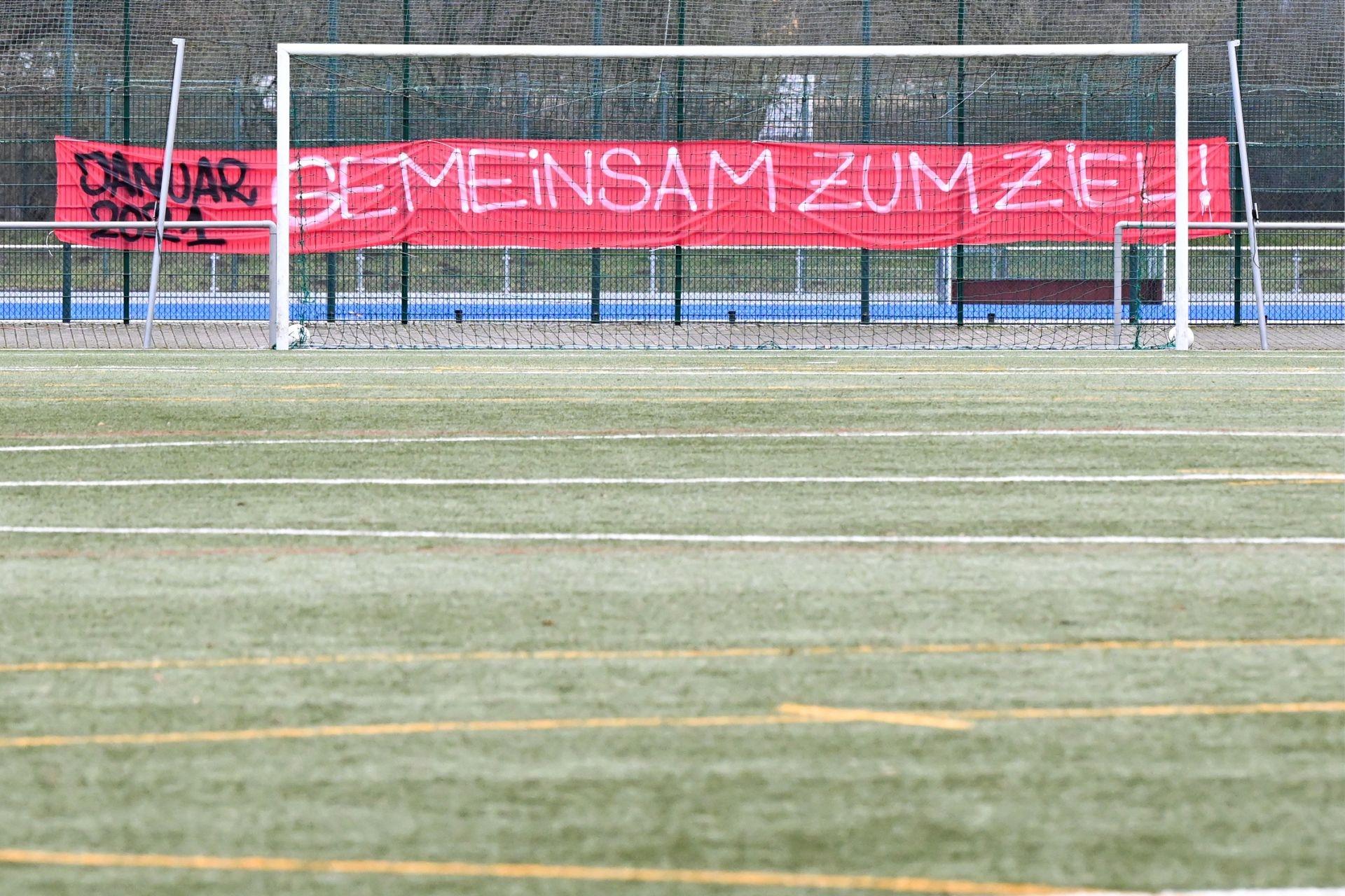 Regionalliga Südwest 2020/21, KSVHessen Kassel, FC Gießen, Endstand 1:1, Fanbanner, Spruchband