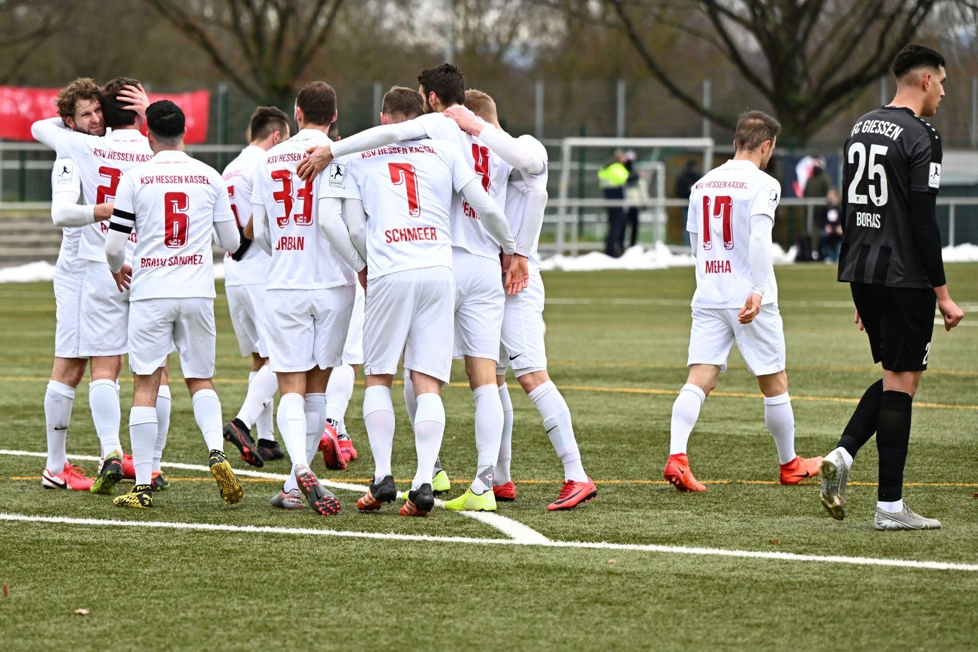 Regionalliga S�dwest 2020/21, KSVHessen Kassel, FC Giessen, Endstand 1:1, Jubel zum 1:1