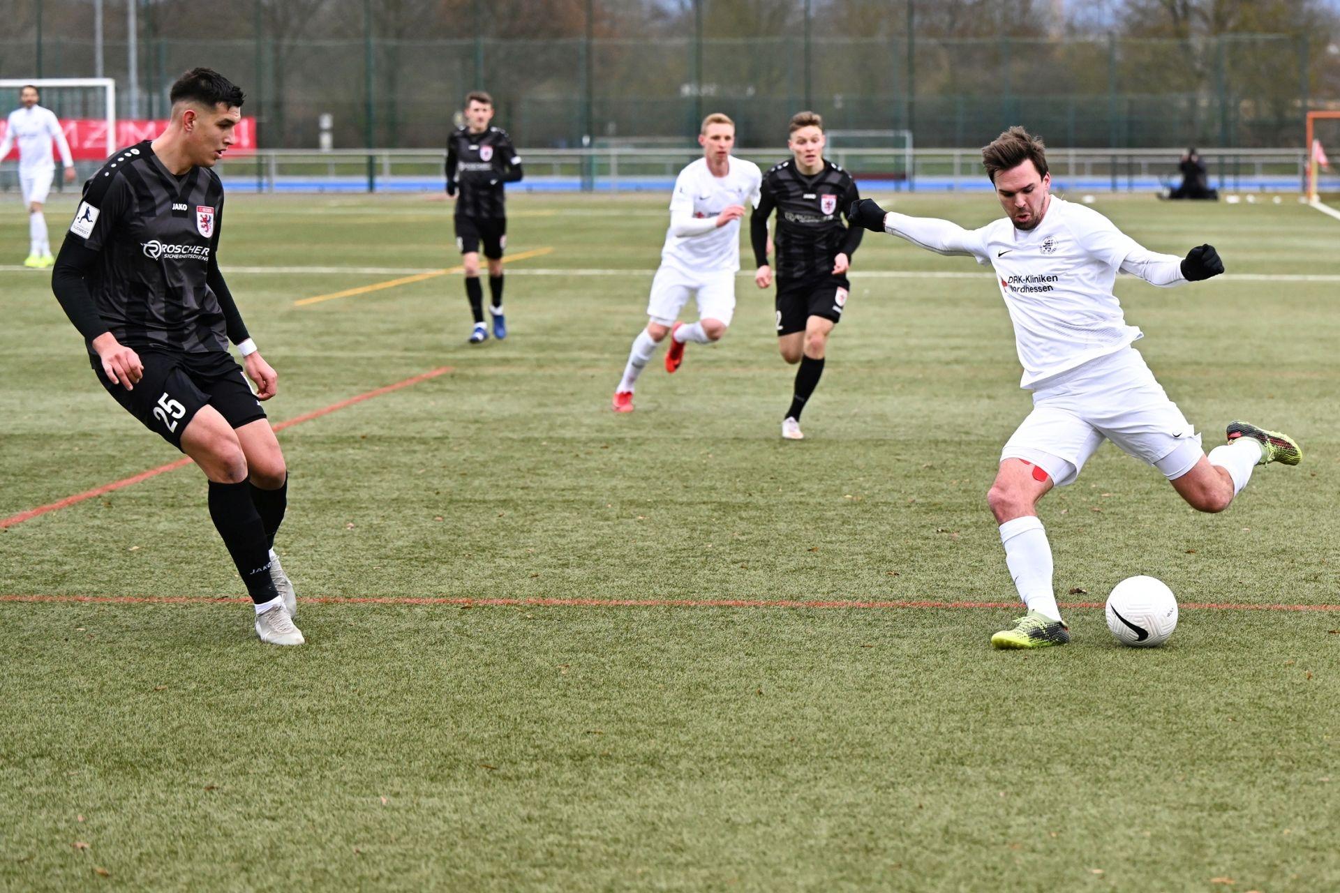 Regionalliga Südwest 2020/21, KSVHessen Kassel, FC Gießen, Endstand 1:1, Nils Pichinot