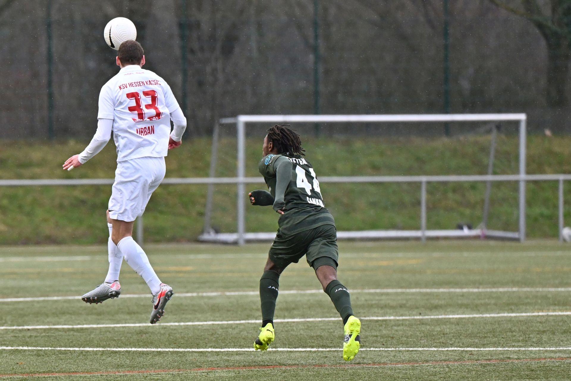 Regionalliga Südwest 2020/21, KSV Hessen Kassel, VfB Stuttgart II, Endstand 0:4, Robin Urban