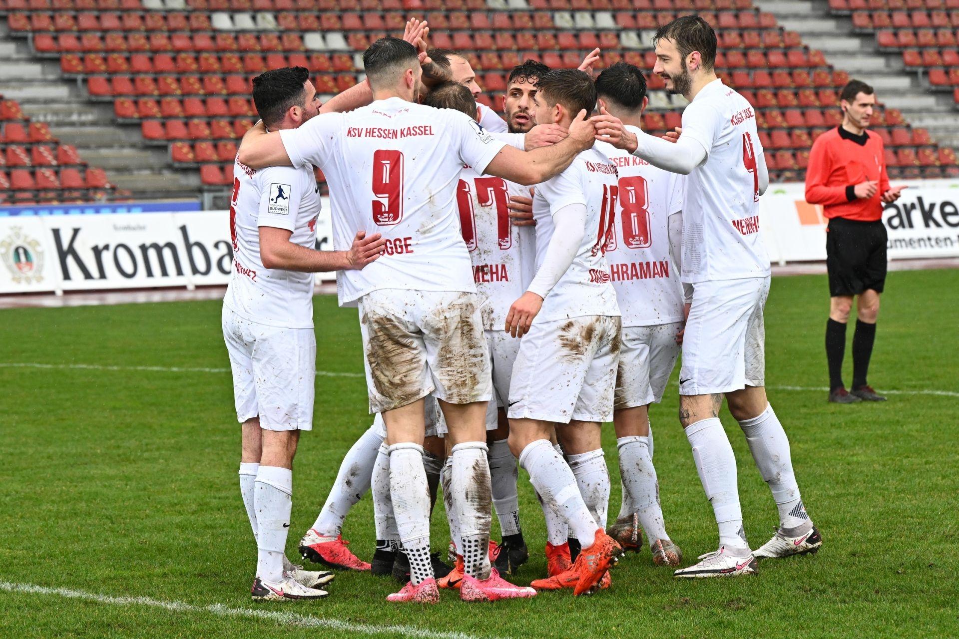 Regionalliga S�dwest 2020/21, KSV Hessen Kassel, FSV Frankfurt, Endstand 2:1, Jubel zum 2:0
