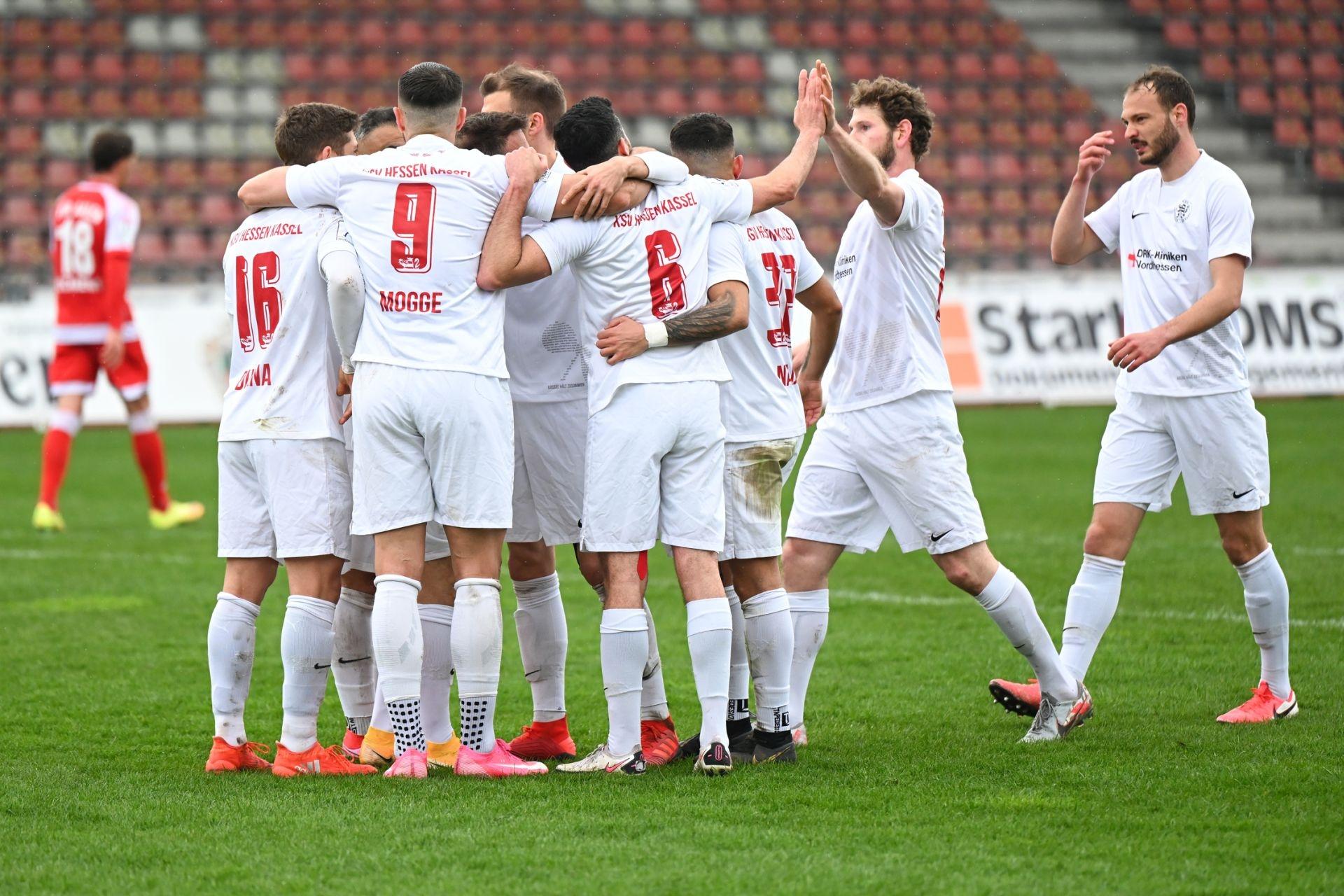 Regionalliga S�dwest 2020/21, KSV Hessen Kassel, VfR Aalen, Endstand 1:1, Jubel zum 1:0
