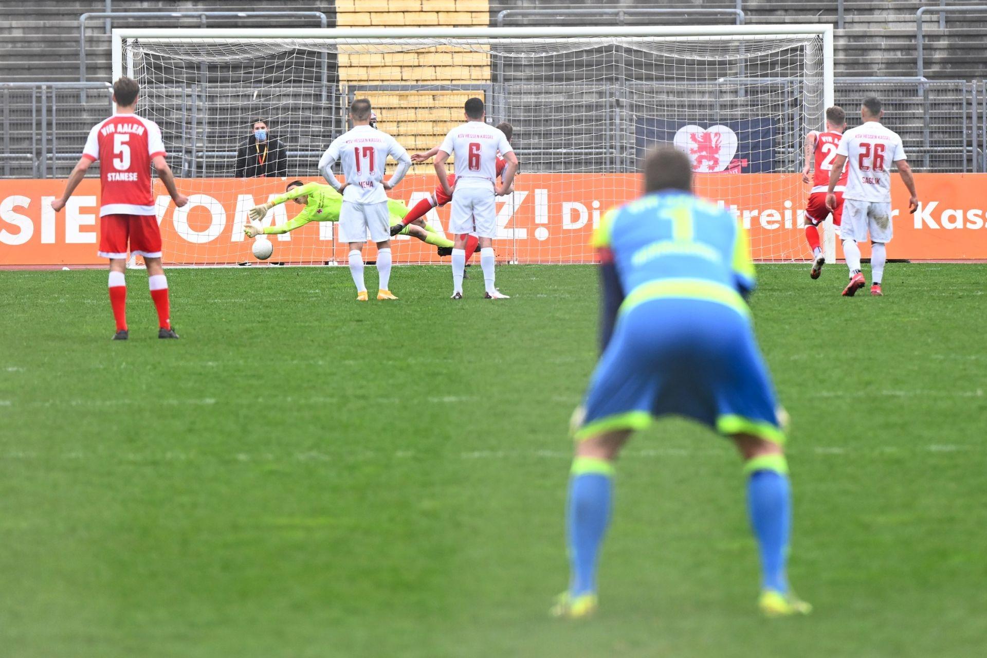 Regionalliga Südwest 2020/21, KSV Hessen Kassel, VfR Aalen, Endstand 1:1, Tor zum 1:1, Elfmeter