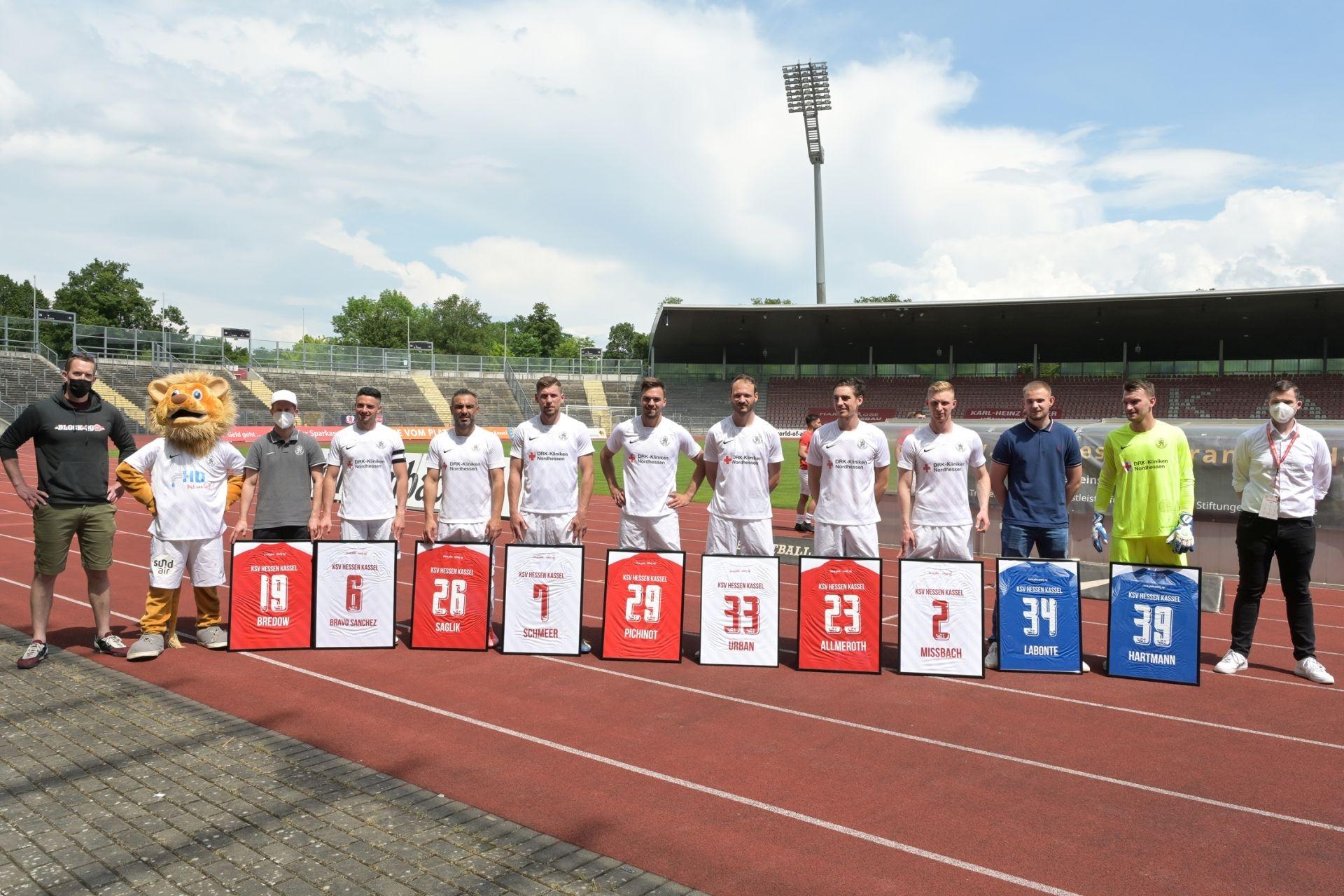 Regionalliga S�dwest 2020/21, KSV Hessen Kassel, SSV Ulm 1846, Endstand 3:1, Verabschiedung