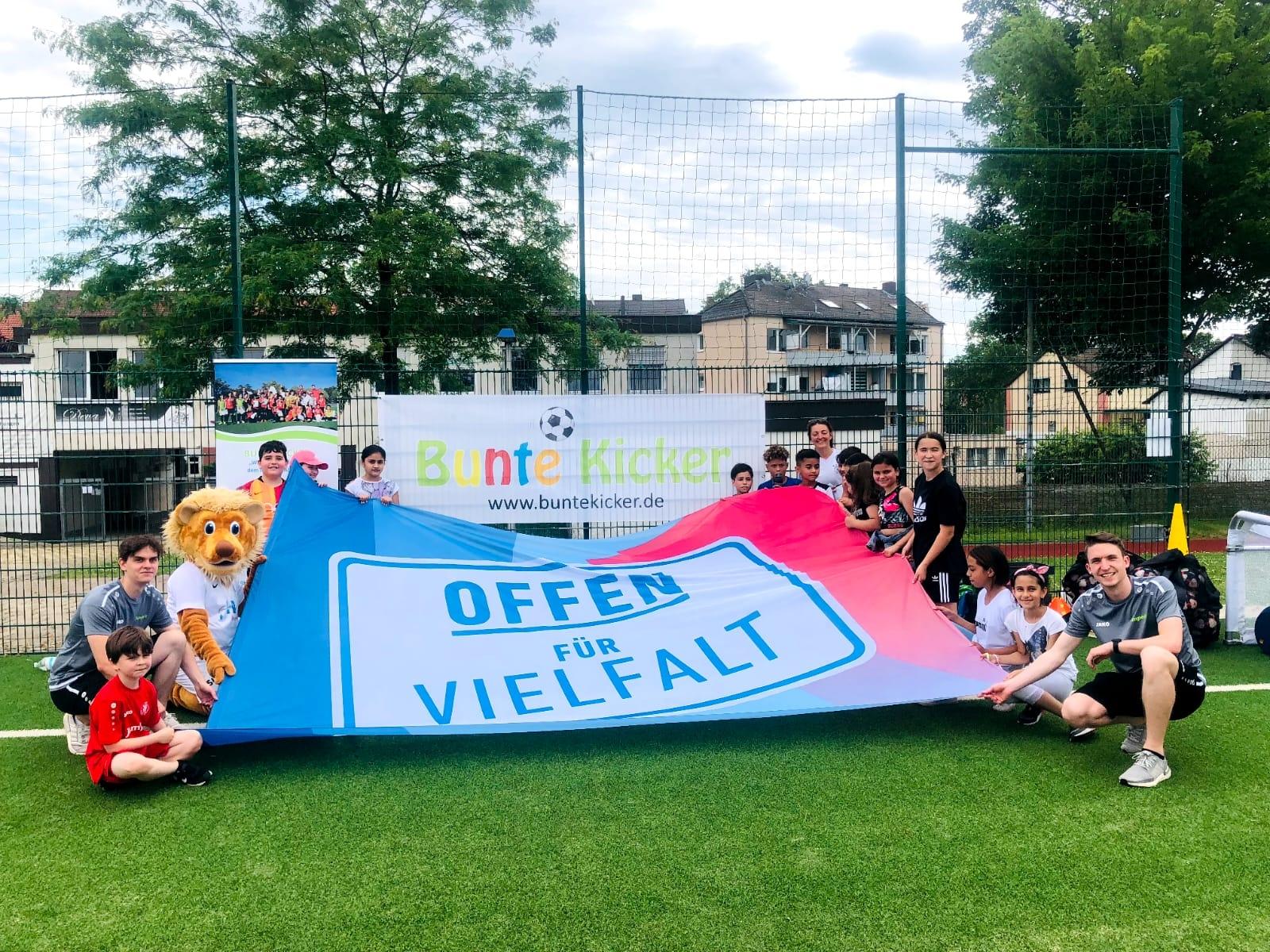"""Der KSV Hessen Kassel und """"Bunte Kicker"""" erweitern das gemeinsame Angebot"""