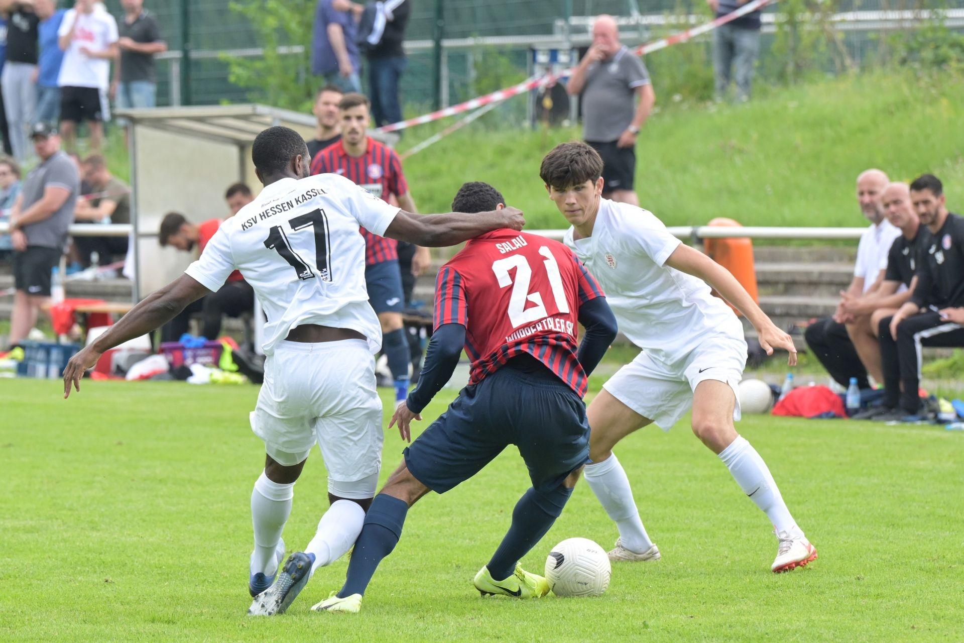 KSV Hessen Kassel, Wuppertaler SV, Endstand 4:0, Testspieler Conrad Azong, Moritz Flotho