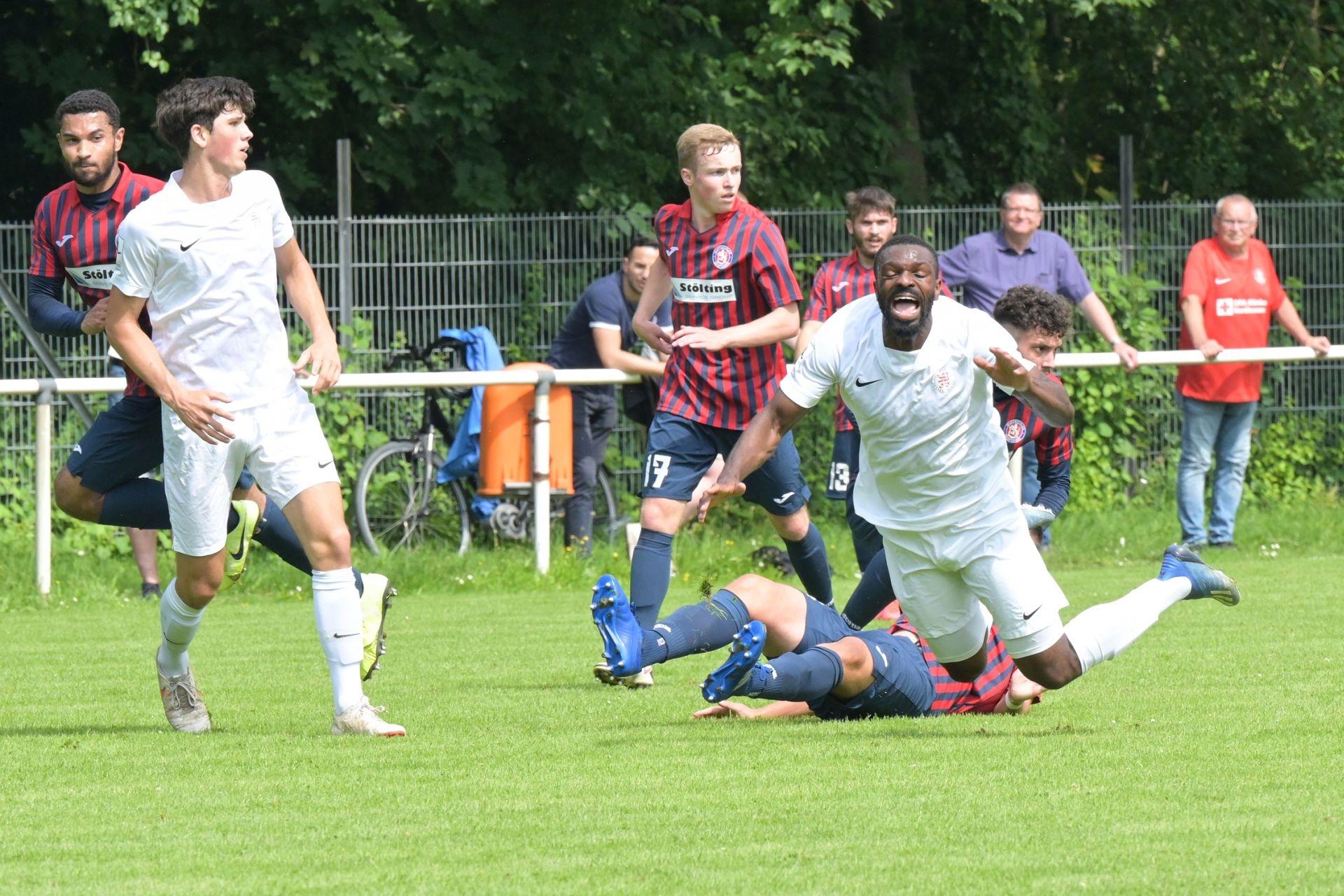 KSV Hessen Kassel, Wuppertaler SV, Endstand 4:0, Paul Stegmann, Conrad Azong