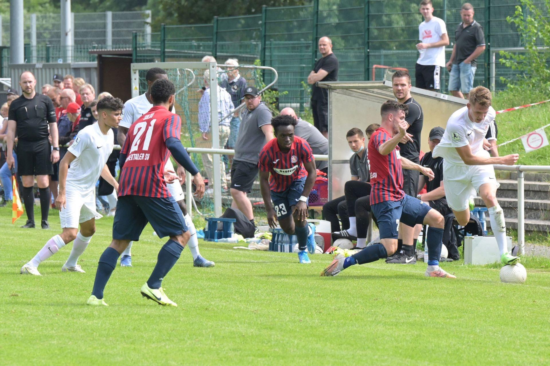 KSV Hessen Kassel, Wuppertaler SV, Endstand 4:0, Leonardo Zornio, Brian Schwechel