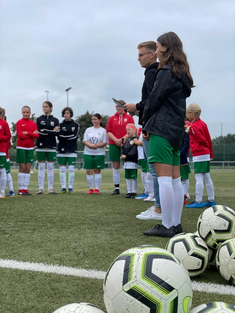 VFL-Mädchencamp zu Gast beim KSV Hessen Kassel